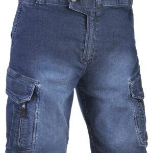 """DESCRIZIONE Il bermuda jeans """"every day"""" costruito in96% cotone e 4% spandex, rispetta i principalielementi tipici del pantalone tattico ma allo stessotempo si avvicina ad un taglio più civile, dando quindi la possibilità di indossarlo ad una piùampia fetta di pubblico. Presentano due spaziose tasche multiruolo conchiusura a velcro e due tasche con chiusura a zip. Le tasche superiori hanno i bordi rinforzati peraggancio di coltelli, pinze multiusi, ecc. Un elastico posteriore permette di aumentare ilcomfort e la vestibilità nelle diverse taglie."""